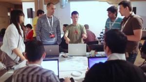 Empreendedores, designers e programadores se reúnem para desenvolver projetos inovadores